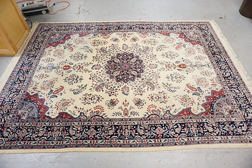 ROOM SIZE ORIENTAL RUG MEASURING 8 FT 3 INCHES X 11 FT 6 INCHES.