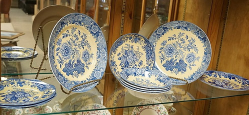 11 PIECE SPODE BLUE ROOM COLLECTION. LARGEST PLATE IS 12 INCHES.