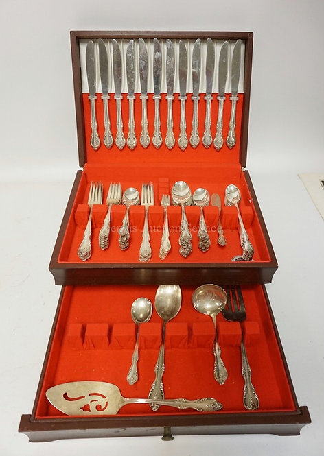 101 PC ROGERS SILVER PLATED FLATWARE SET WITH BOX. SERVICE FOR 12 LESS ONE SALAD