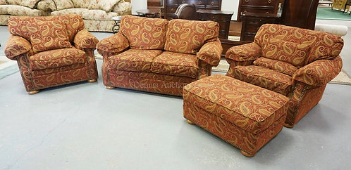 4 PIECE *FLEXSTEEL* LIVING ROOM SET IN PAISLEY UPHOLSTERY INCLUDING A LOVESEAT,