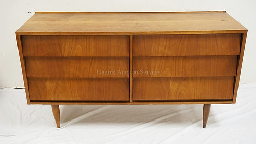 MID CENTURY MODERN 6 DRAWER CHEST WITH LOUVERED DRAWERS AND TAPERED LEGS. 55 3/4