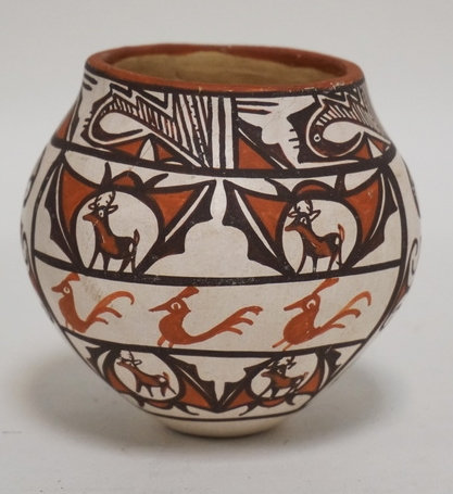 ZUNI POTTERY VESSEL BY JANNIE LAATE. 3 1/2 INCHES HIGH.