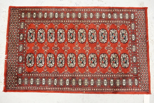 ORIENTAL THROW RUG MEASURING 4 FT 2 X 2 FT 6 INCHES.
