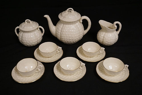 LENOX *HAWTHORNE* TEA SET. CONSISTING OF A TEAPOT, CREAM, SUGAR, AND 5 CUPS WITH