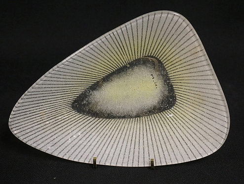 MODERN ART GLASS TRIANGULAR BOWL BY MAURICE HEATON. 9 X 6 5/8 INCHES. SIGNED *M.