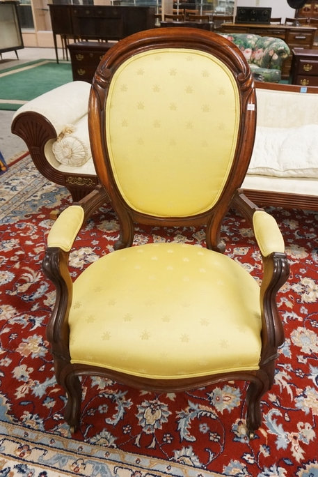 1166_VICTORIAN CARVED WALNUT SIDE CHAIR WITH YELLOW UPHOLSTERY DECORATED WITH BE