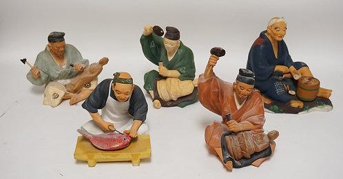 GROUP OF 5 HAKATA URASAKI CERAMIC DOLLS. TALLEST MEASURES 9 INCHES. 3 FIGURES MI