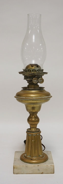 1227_ANTIQUE BRASS OIL LAMP (ELECTRIFIED). MARBLE BASE. 22 1/2 INCHES HIGH.