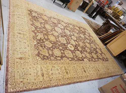 ROOM SIZE ORIENTAL RUG MEASURING 13 FT 6 INCHES X 10 FT 1 INCH.