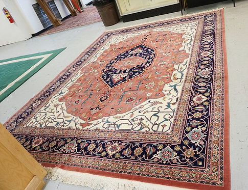 ORIENTAL ROOM SIZE RUG MEASURING 9 FT 10 INCHES X 12 FT 2 INCHES.
