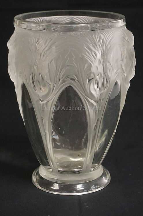 SIGNED VERLYS *LES CHARDONES* FROSTED AND CLEAR CRYSTAL VASE WITH A MOLDED THIST