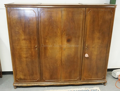 4 DOOR WARDROBE WITH BOOK MATCHED DOORS AND CARVED LEGS.89 INCHES WIDE. 76 INCHE