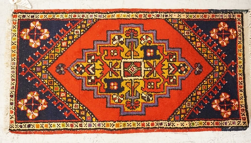 1014_HAND WOVEN ORIENTAL RUG MEASURING 3 FT 1 X 1 FT 8 INCHES.