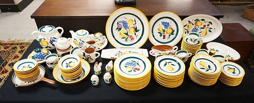 1290_111 PIECE STANGL FRUIT DINNERWARE SET. SERVICE FOR 12 PLUS EXTRAS AND SERVI