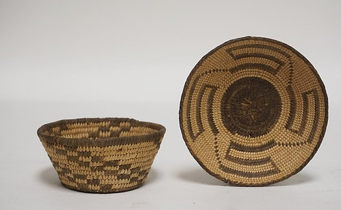 LOT OF 2 NATIVE AMERICAN INDIAN WOVEN BASKETS. LARGEST IS 4 1/8 INCHES IN DIA,