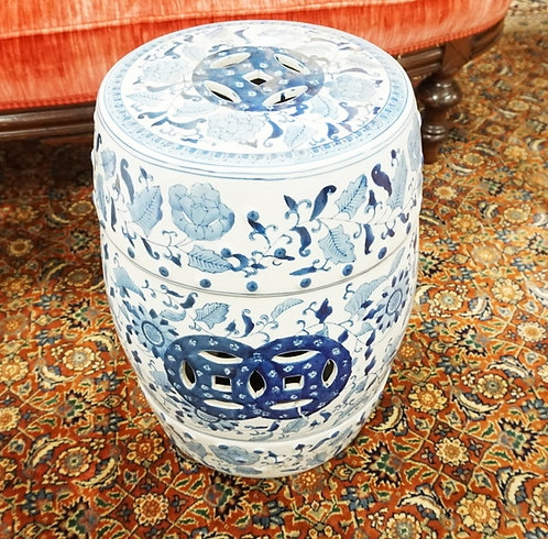BLUE AND WHITE ASIAN GARDEN SEAT. 18 1/2 IN H