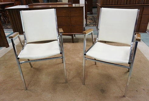1147_PAIR OF MID CENTURY MODERN CHROME AND IVORY LEATHER CHAIRS.