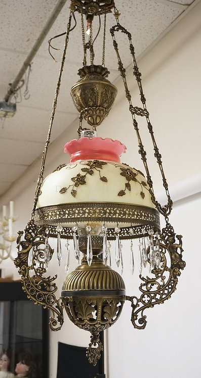 CONTEMPORARY VICTORIAN STYLE HANGING LAMP WITH AN ART GLASS SHADE HAVING APPLIED