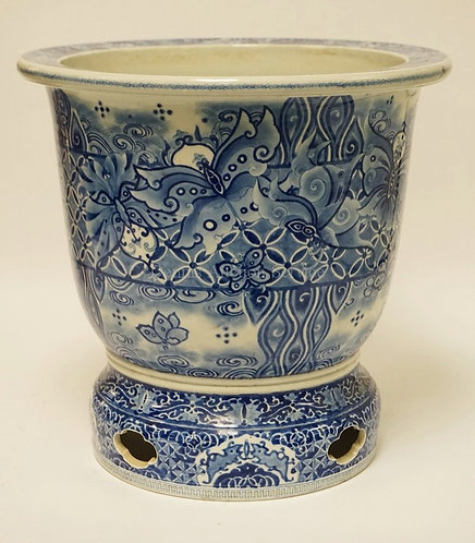 ASIAN BLUE & WHITE PORCELAIN PLANTER DECORATED WITH FLOWERS AND BUTTERFLIES. 15