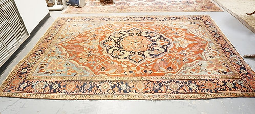 ORIENTAL ROOM SIZE RUG WITH MEDALLION CENTER. 10 FT 8 IN X 7 FT 9 IN