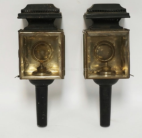 PAIR OF ANTIQUE CARRIAGE LAMPS WITH BEVELED GLAS AND BULLSEYES. ORIGINAL BURNERS