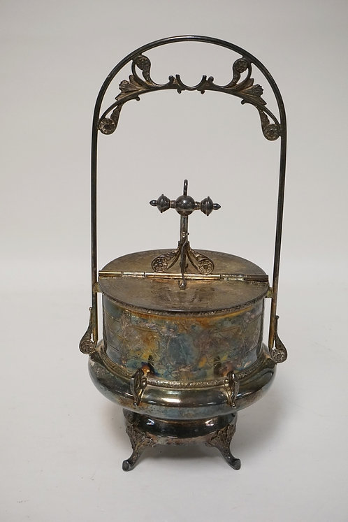 UNUSUAL WILCOX VICTORIAN SILVER PLATED COVERED BUTTER DISH. THE LID HAVING A SPL