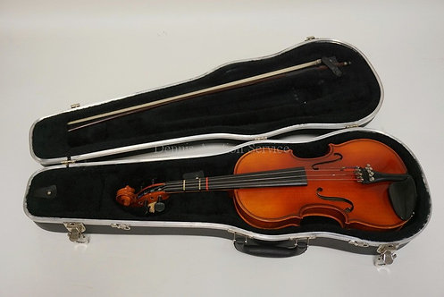 ERICH PFRETZSCHNER 1988 HAND MADE COPY OF A STRADIVARIUS VIOLIN. 22 INCHES LONG.