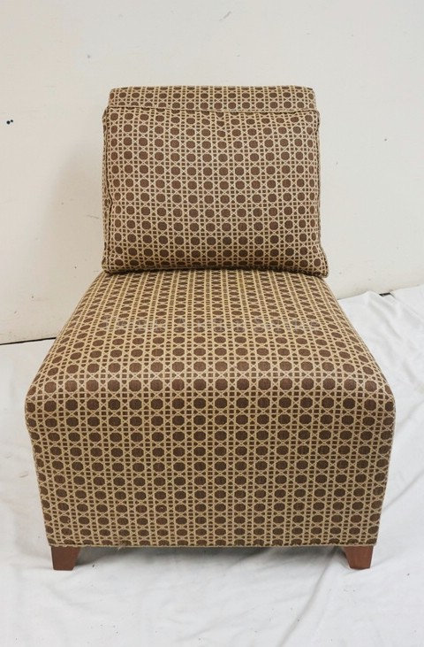 ETHAN ALLEN SIDE CHAIR IN CANE PATTERNED UPHOLSTERY. 31 INCHES HIGH.
