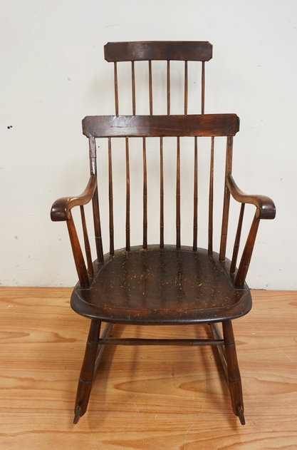 1080_ANTIQUE COMB BACK WINDSOR ROCKER. 40 INCHES HIGH. 21 INCHES WIDE. HAS AN OL