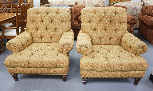 PAIR OF KINCAID UPHOLSTERED LOUNGE CHAIRS. 39 INCHES WIDE. 39 INCHES HIGH.