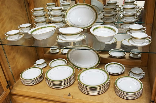 80 PIECE NORITAKE *PERDITA* DINNERWARE SET. LARGEST PLATTER IS 13 1/2 INCHES.