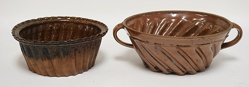 LOT OF 2 POTTERY MOLDS. LARGEST IS 10 INCHES IN DIA.