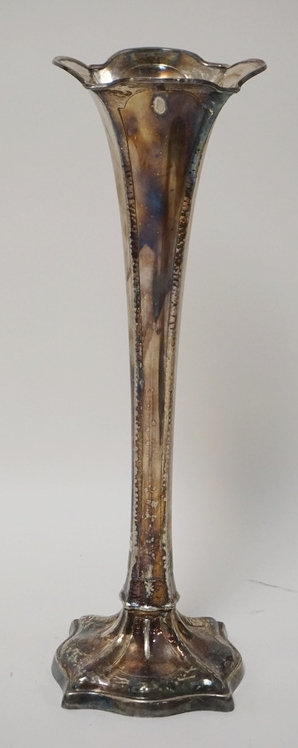 MERIDEN SILVER PLATED TRUMPET VASE WITH HAND HAMMERED WORK. 15 1/4 INCHES HIGH.