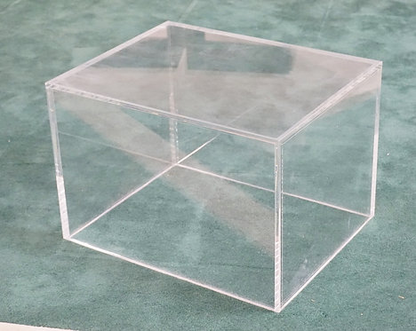 MID CENTURY MODERN LUCITE / ACRYLIC CORNER TABLE. 28 X 22 AND 19 INCHES HIGH.