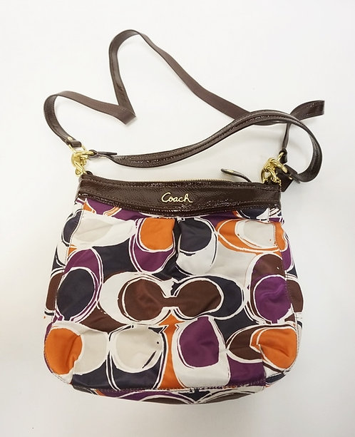 COACH HANDBAG. APP 11 IN WIDE AND 10 IN H. GENTLY USED