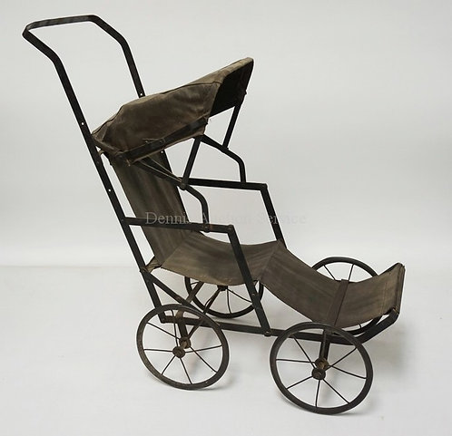 EARLY 20TH CENTURY VICTORIAN STYLE DOLL STROLLER, 22 INCHES TALL, 21 INCHES FROM