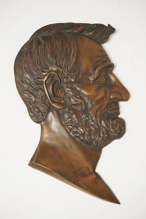 BRONZE PLAQUE OF ABRAHAM LINCOLN. 12 X 8 INCHES.