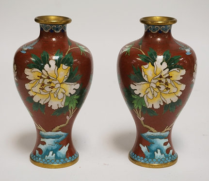 PAIR OF CLOISONNE VASES. FLORAL. 7 INCHES HIGH.