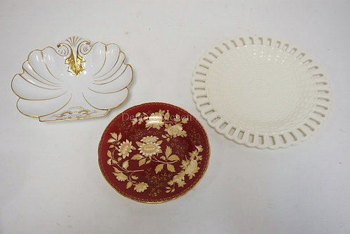 3 PIECES OF PORCELAIN. 2 WEDGWOOD PLATES AND A PORTUGESE SHELL STYLED BOWL.