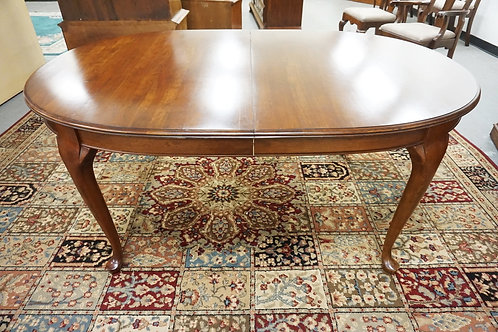 PENNSYLVANIA HOUSE OVAL DINING TABLE WITH TWO 15 IN LEAVES. 65 1/2 IN X 44 IN CL