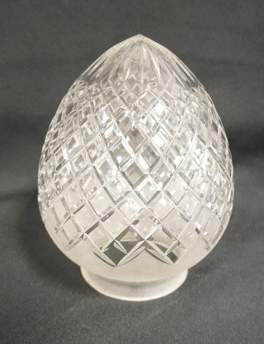 CUT GLASS SHADE MEASURING APPROX 4 3/4 INCHES IN DIA AND 6 1/2 INCHES LONG. 3 1/