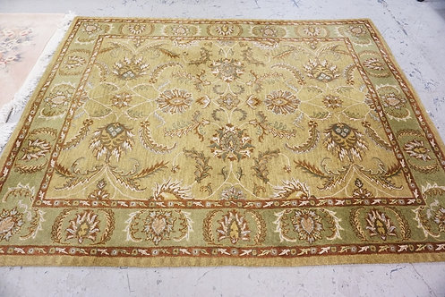ROOM SIZE SPINEL RUG MEASURING 9 FT 11 INCHES X 7 FT 11 INCHES.