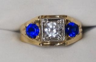 10K GOLD DIAMOND & SAPPHIRE RING. 3/4 CT DIAMOND. 3.90 DWT.