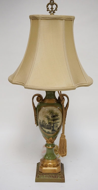 DECORATIVE TABLE LAMP IN GREEN & GOLD. 30 1/2 INCHES HIGH.