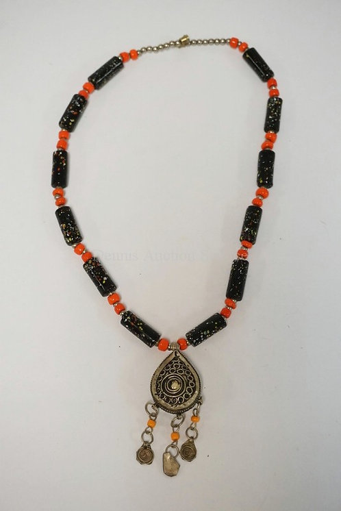 NORTH AFRICAN BEADED TRIBAL NECKLACE W/PENDANT. 11 1/2 INCHES LONG.