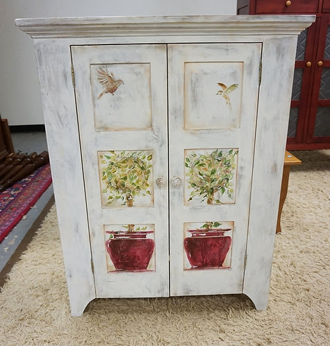 """R.A. FREUND COMPANY PAINT DECORATED 2 DR. PANELLED COUNTRY CUPBOARD. 32 1/2"""" WID"""