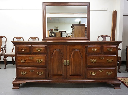 PENNSYLVANIA HOUSE LOW DRESSER WITH MIRROR. HAS 8 DRAWERS AND 2 DOORS WITH 3 INT