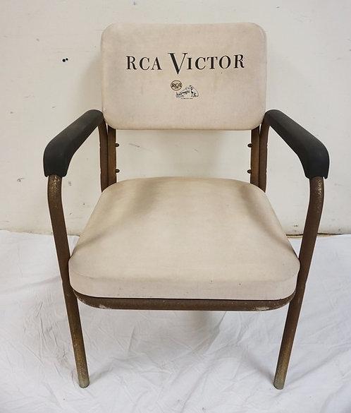 RCA VICTIOR ARMCHAIR. TUBULAR STEEL (HAS RUST) & VINYL. 32 INCHES HIGH. 21 1/2 I