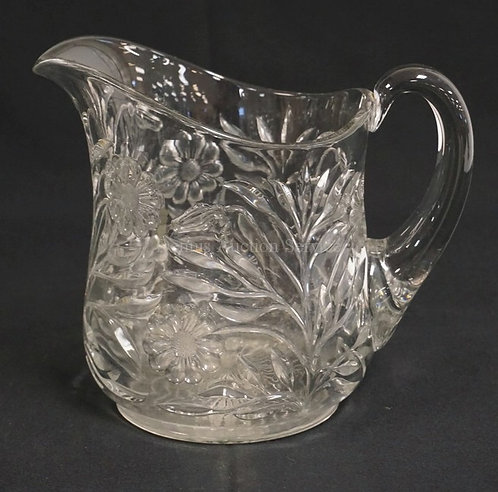 RARE HEISEY #427 *DAISY AND LEAVES* PATTERN GLASS PITCHER. CIRCA 1910. 7 3/8 INC