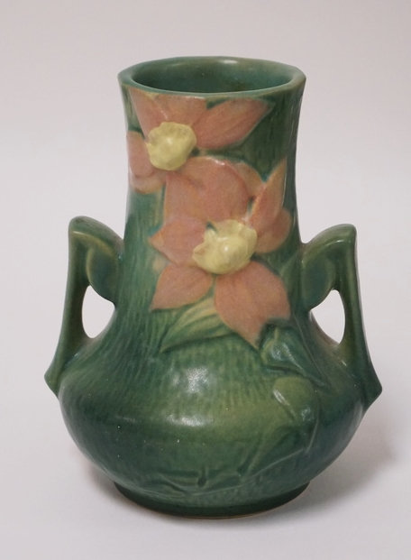 ROSEVILLE POTTERY CLEMATIS VASE. 7 1/4 INCHES HIGH.